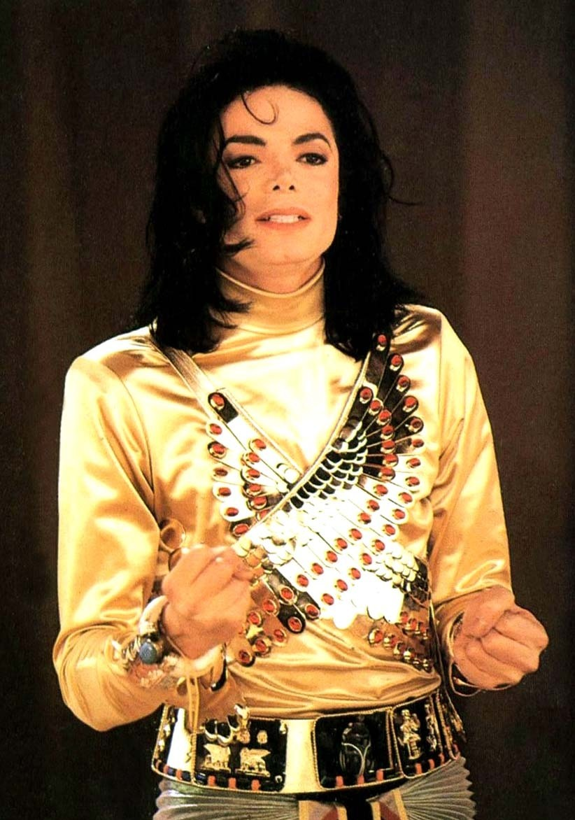 Remember-The-Time-michael-jackson-14169596-822-1172