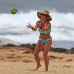 EXCLUSIVE: A bikini clad Britney Spears shows off her very toned and in shape body while throwing a ball on the beach in Hawaii. <P> Pictured: Jennifer Garner <B>Ref: SPL1253326  280316   EXCLUSIVE</B><BR /> Picture by: Splash News<BR /> </P><P> <B>Splash News and Pictures</B><BR /> Los Angeles:	310-821-2666<BR /> New York:	212-619-2666<BR /> London:	870-934-2666<BR /> photodesk@splashnews.com<BR /> </P>