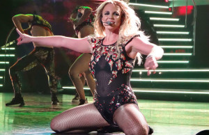 Britney-Spears-Piece-of-Me-Tour--07