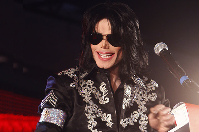 michael-jackson-press-conference-2009-billboard-650